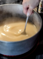 How-To-Make-Gravy-I-howsweeteats_com-7
